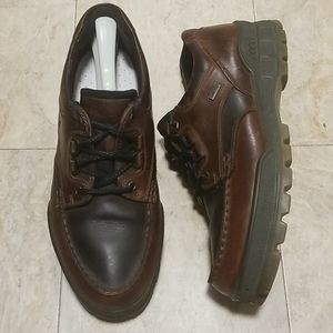 Ecco Gore-Tex Track 2 Low Oxford Hiking Shoes